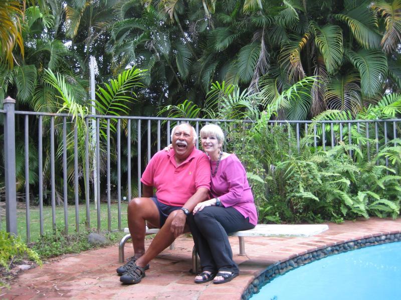 Denise & Chuy Esparza conoció y casó en Puerto Rico. Tienen 5 hijos y se retiran en Tampa, Fl.