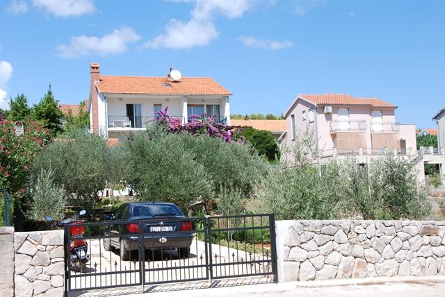 Apartment Tihana, vacation rental in Stari Grad