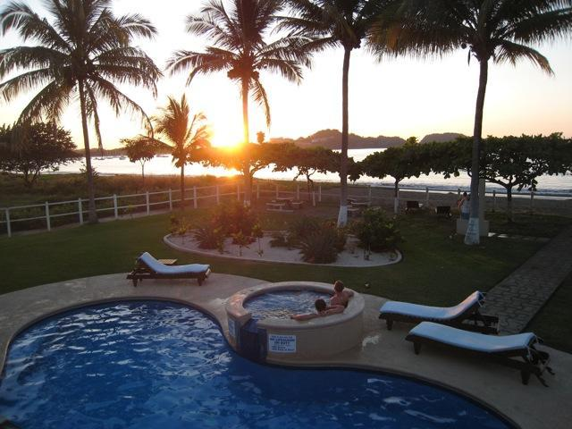 Beachfront Pool Condo at Playa Potrero, Costa Rica, holiday rental in Playa Prieta