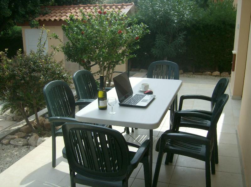 Wi-Fi disponible en la zona de villa y piscina