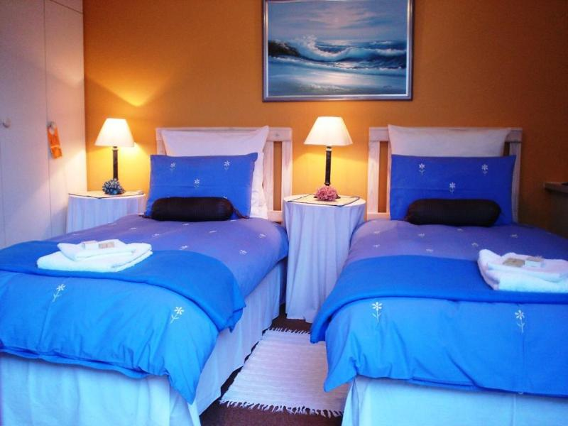 Marina - TWIN beds or KING size bed
