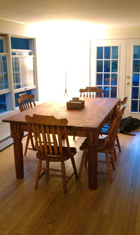 Dining Room - Can seat 8-10