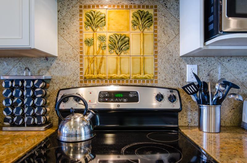 Tile detail in kitchen