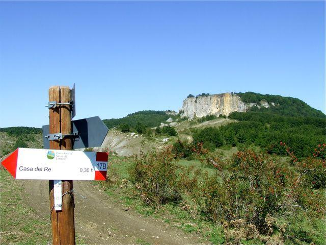 Nature hike to Monte Simone, visit of the ruins of 'Citta del Sole'