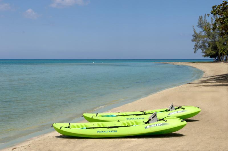Despierta y llegar sano! Llevar a alta mar en kayak.