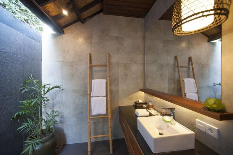 modern, spacious bathrooms.