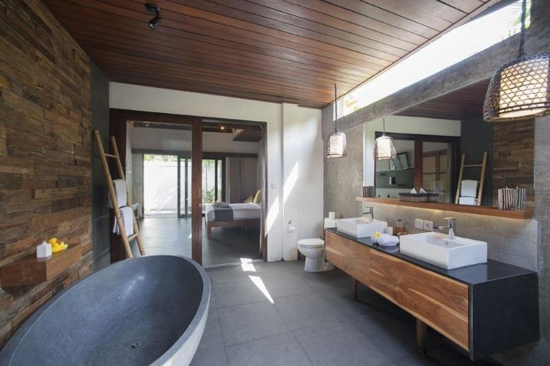 Modern bedrooms with spacious ensuite bathrooms