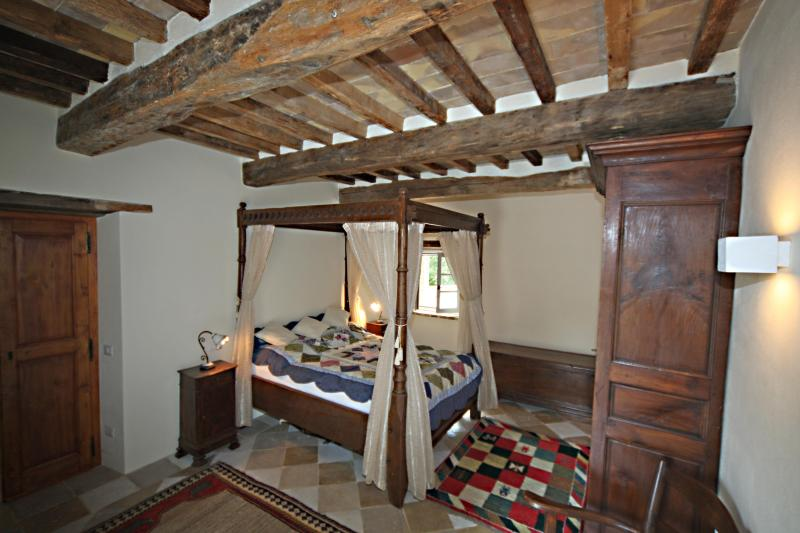 Four poster bedroom Millers house