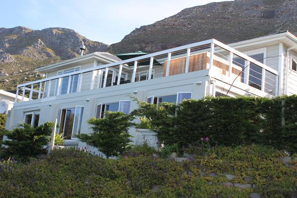 Rocklands House, Beach –Front Holiday Home, casa vacanza a Simon's Town