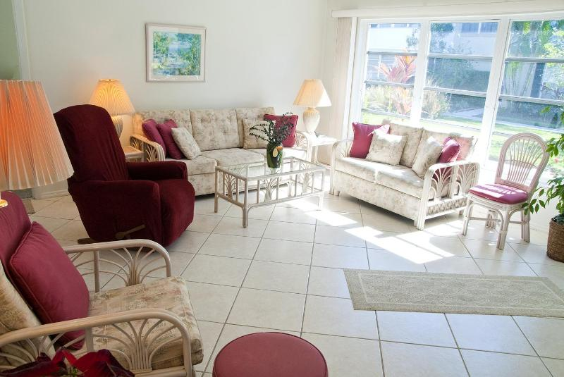 Lovely beachside villa, holiday rental in Sarasota