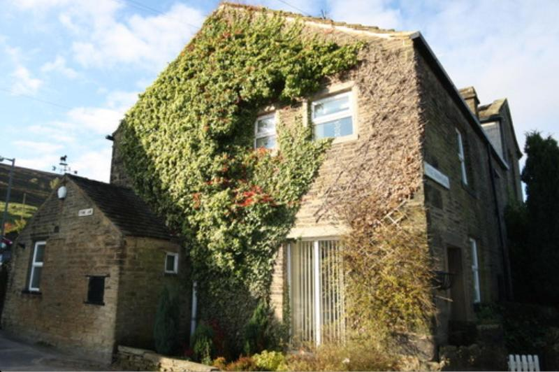 Stone Cottage, Bronte Country, Yorkshire, holiday rental in Ogden
