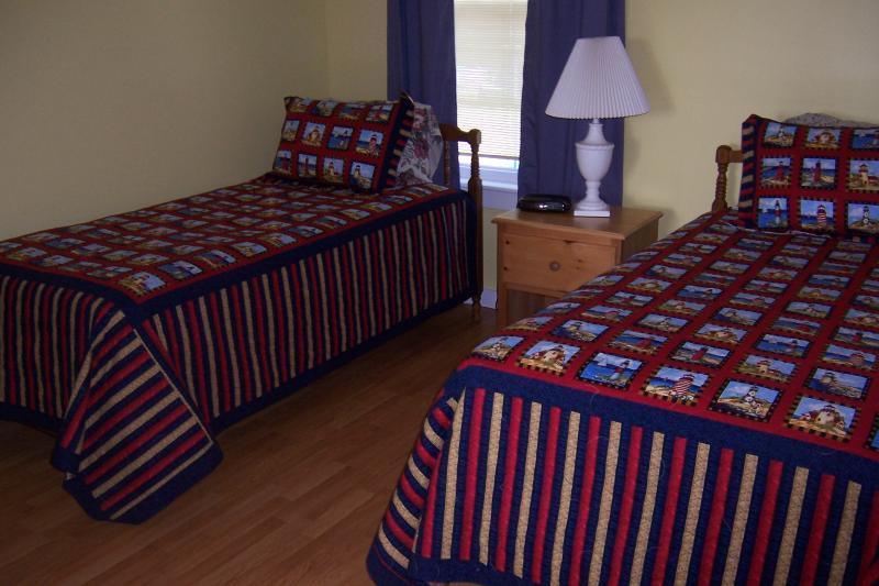 smaller bedroom 14X12