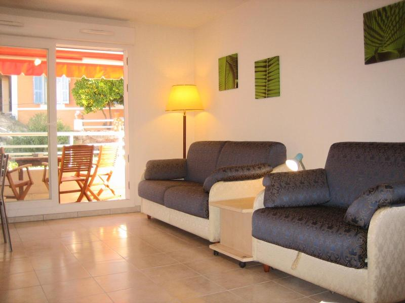 Beautiful Studio with Terrace in Menton, France, vacation rental in Peille