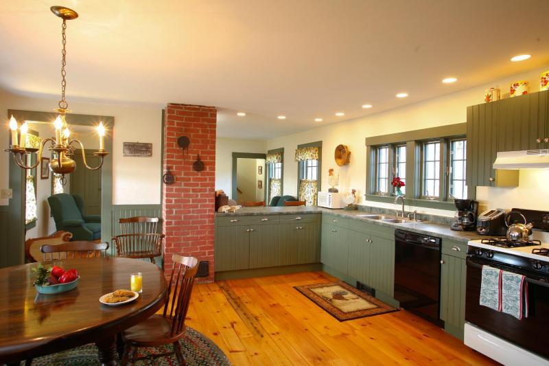 Sunnyside Farmhouse Kitchen