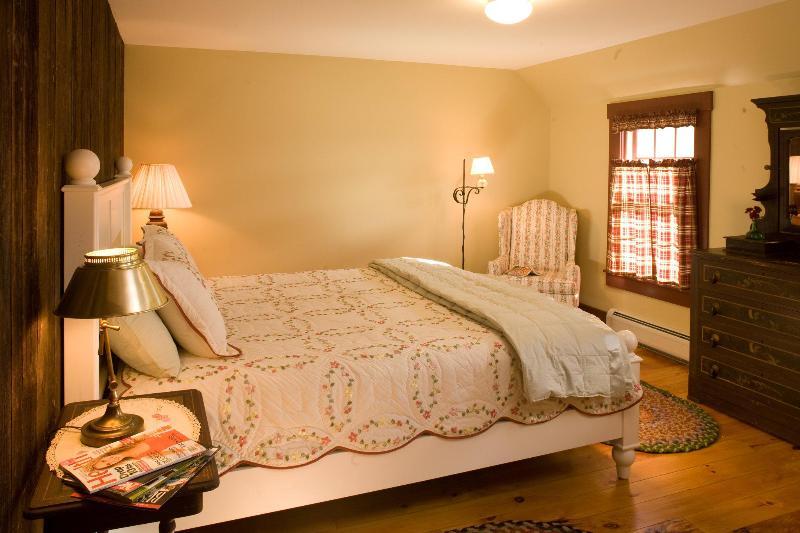 ! st étage chambre avec lit de King-Sized