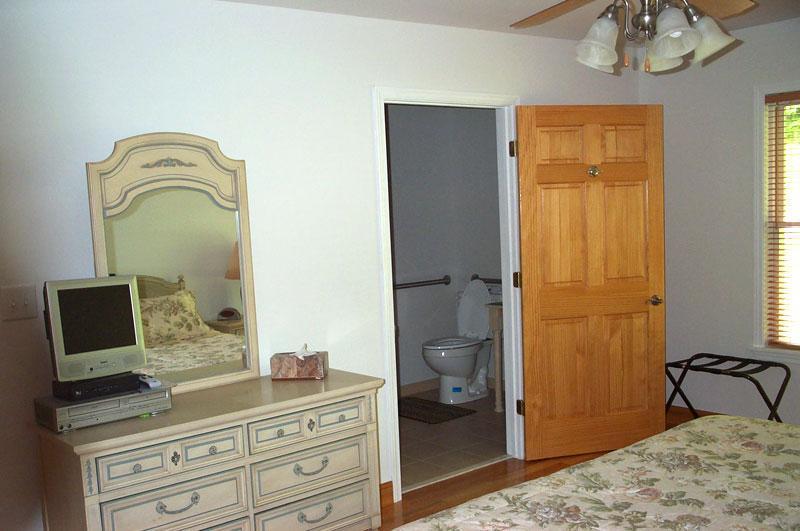 King bedroom toward bath