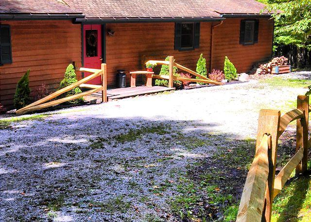 Private pet-friendly property for an affordable mountain getaway!, holiday rental in Davis
