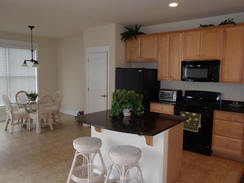 Gourmet Granite Kitchen and Breakfast Area