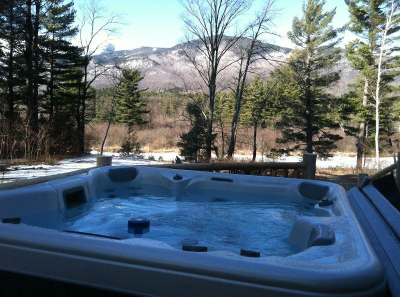 Hot tub & Whiteface Mtn view