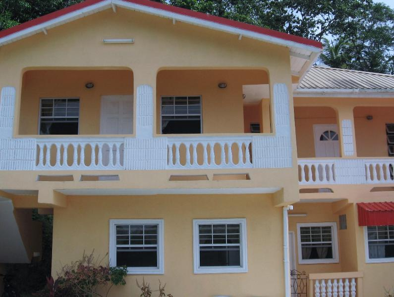 HILLTOP VIEW APARTMENTS, holiday rental in Castries