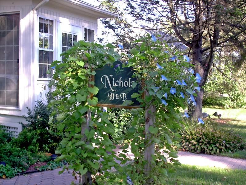 Nichols Guest Rooms Sign