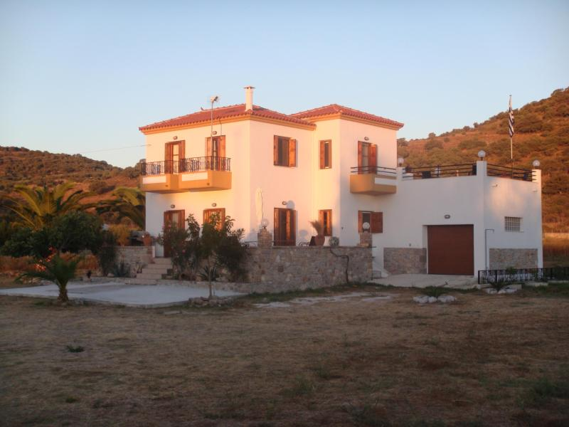 Beautiful Greek Villa - Lesbos - Eresos - Antissa, Ferienwohnung in Lésbos