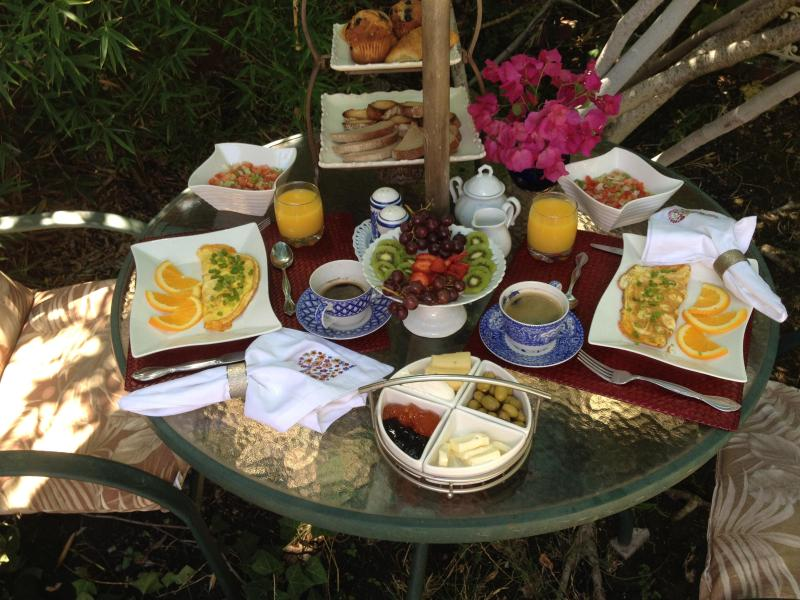 Delicious cooked to order breakfast by the pool, in your suite or in our dining room.