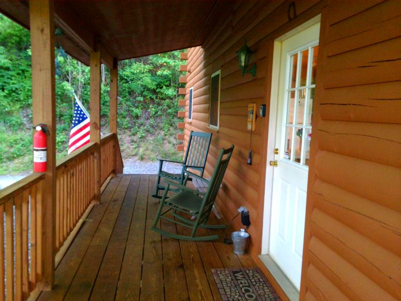 Come on in, it is time be on mountain time! Covered porch to enjoy your outdoors year round!