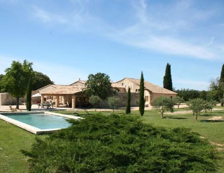 Holiday rental French farmhouses / Country houses Saint Cannat (Bouches-du-Rhône), 400 m², 8 100 €, aluguéis de temporada em Saint-Cannat