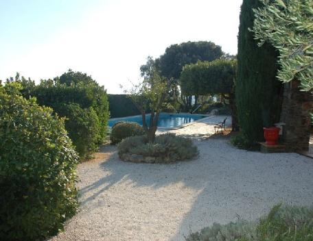 Cavalaire Sur Mer 4 Bedroom Villa with a Pool, holiday rental in Var
