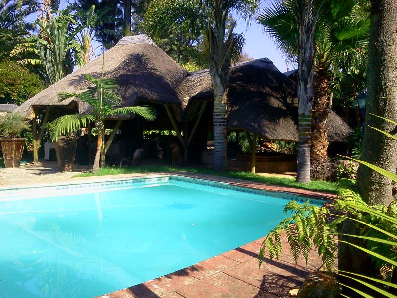 3 two bedrom apartments self catering, alquiler de vacaciones en Randburg