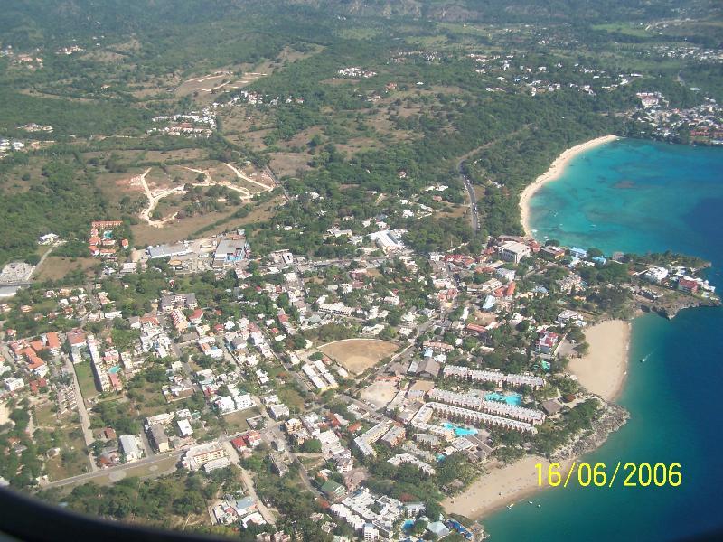 Vista aerea zona Playa Alicia/Sosúa y Sosua