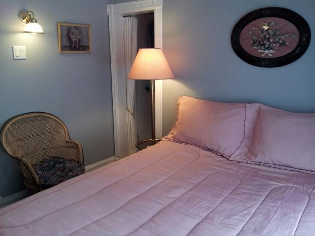Queen room (Newly Renovated) of 2 Bedroom Suite