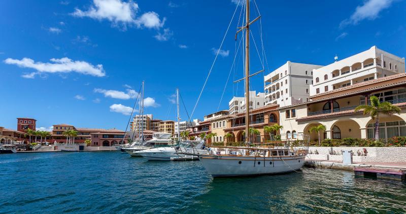 Marina 360 ... 2BR Location de vacances * Porto Cupecoy, St Maarten