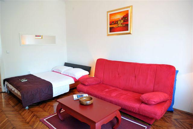 Happy Home Apartmant Zagreb, vacation rental in Zagreb