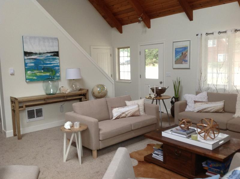 Modern, Peaceful Family Beach Retreat, holiday rental in Pacific City