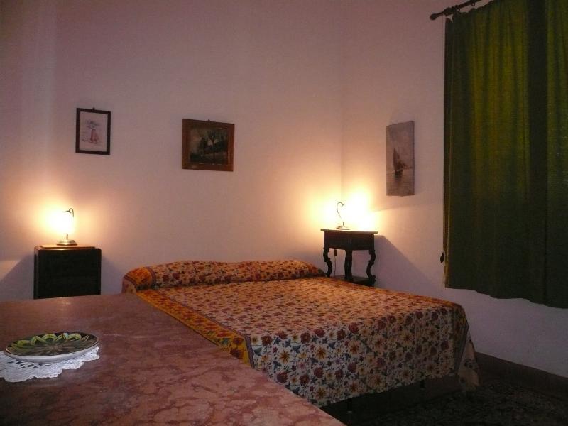 Apartment Scirocco in a beautiful hilltop villa, vacation rental in Sciacca