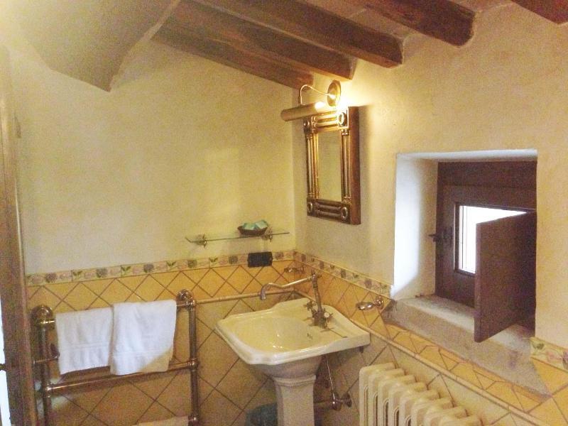 Bathroom Zeus