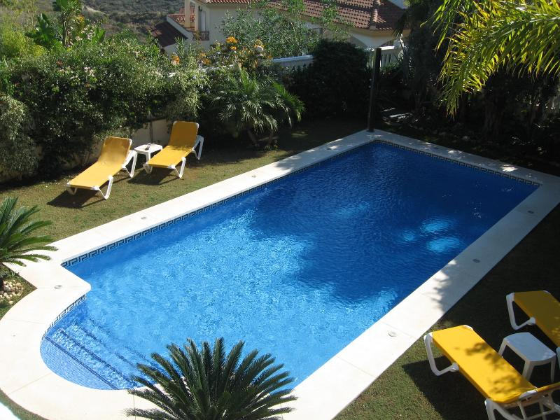 Swimming Pool & Sunbathing beds and solar Shower