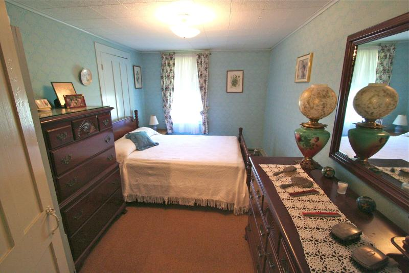 The Blue Room, Double Bed