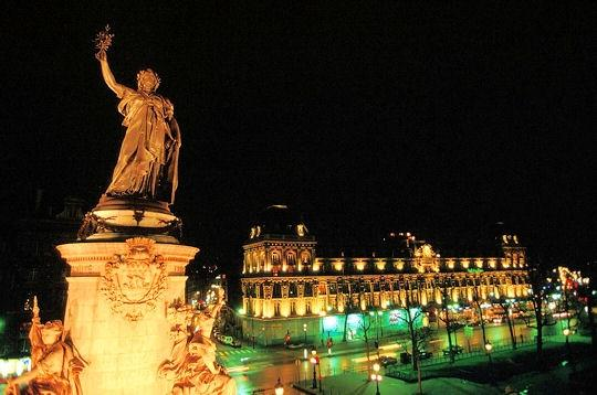 'place de la republique' by night, a block away from the studio