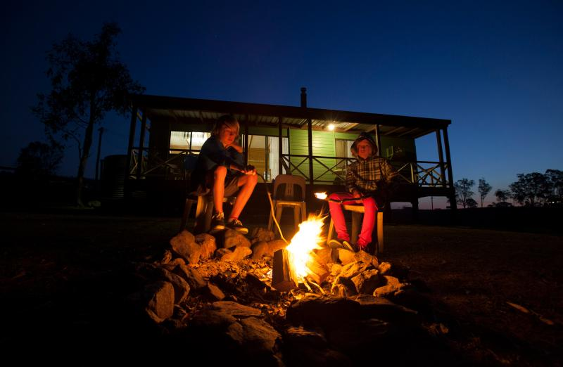 Bestbrook farm stay cabin & horse riding campfire