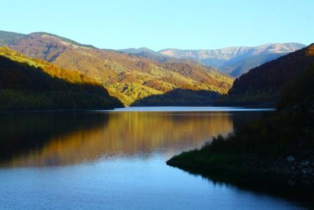 Poiana Marului Lake and Tarcu mountains