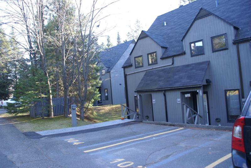 outside entrance with parking