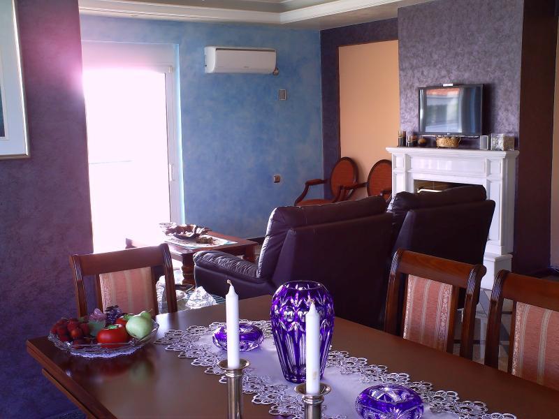 Rafina luxury apartment near beach, vacation rental in Rafina