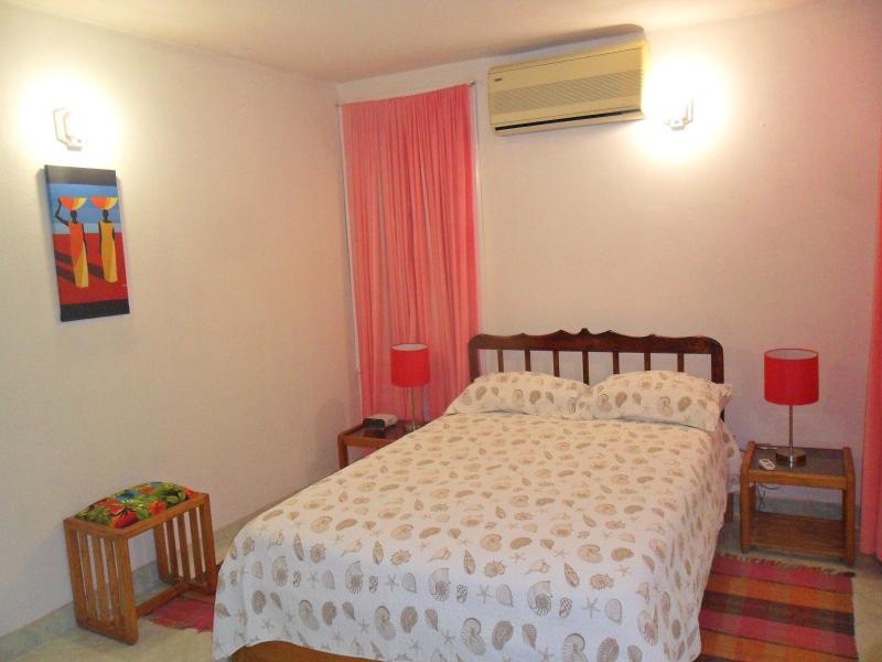 Dormitorio (cama matrimonial)