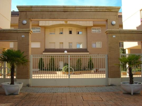 Apartment 3 bedrooms and pool, holiday rental in Valdemierque