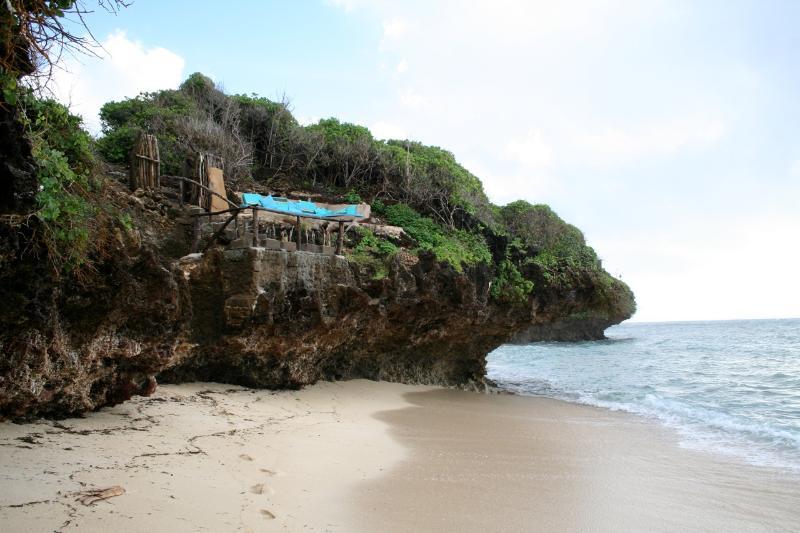 plataforma Sundowner da praia (areia vem e vai sazonalmente)