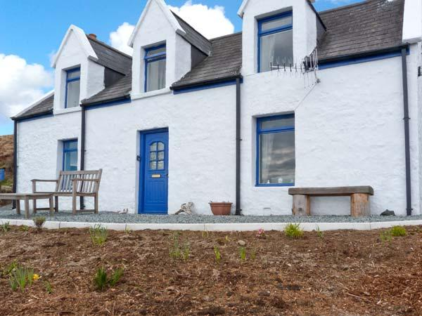 SLIOCH, pet-friendly cottage with sea views, open fire, ideal for walking and, holiday rental in Kilmaluag