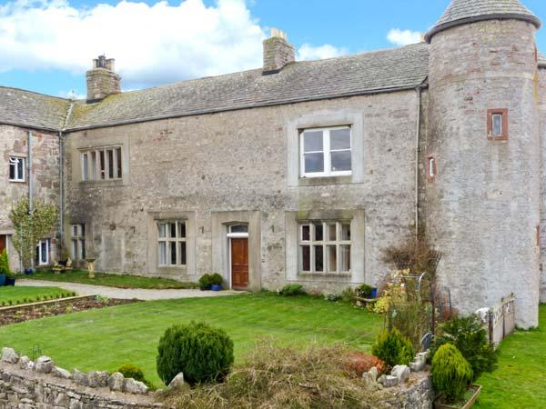 SMARDALE HALL, woodburner, fantastic location, character features, near Kirkby, Ferienwohnung in Brough